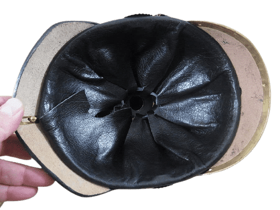 casque-a-point-allemand-ww1-4-removebg-preview